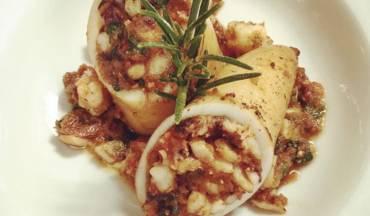 Calamari ripieni di zucchine e gamberi