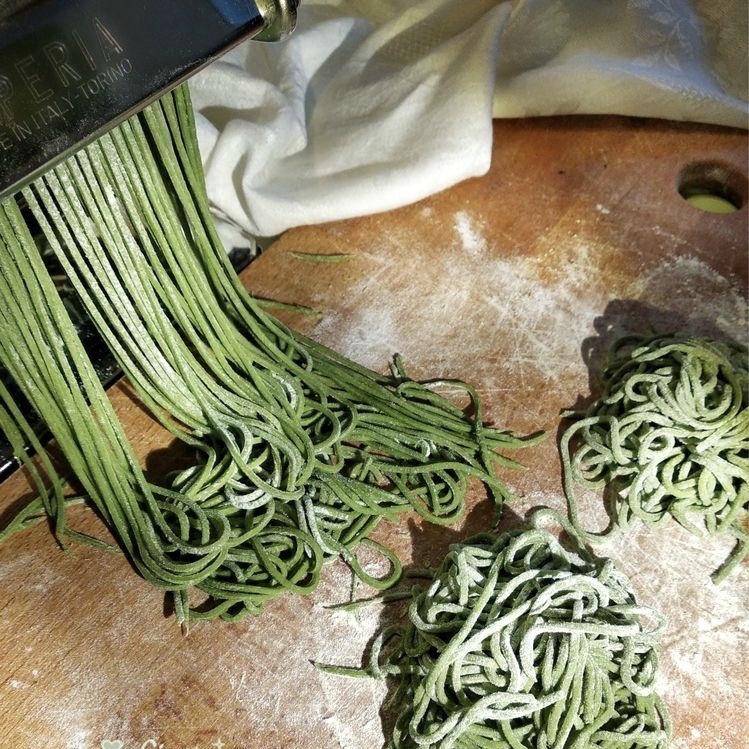 Tagliolini verdi con le canocchie