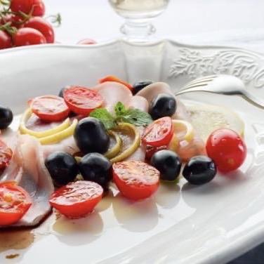 Carpaccio di pesce spada e olive